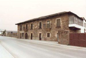 Casa con Escudo Camponaraya